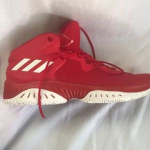 Mens Adidas bounce size 19 basketball shoes